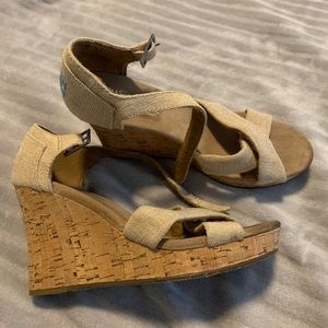 TOMS brand wedges